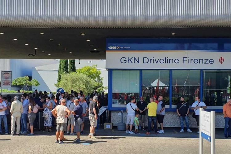 Chiude la Gkn di Firenze: 422 persone licenziate con una mail