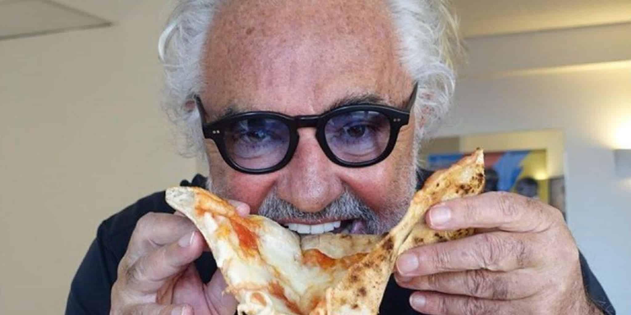 """Briatore, nuova apertura a Porto Cervo: prezzi pazzi al """"Crazy Pizza"""""""