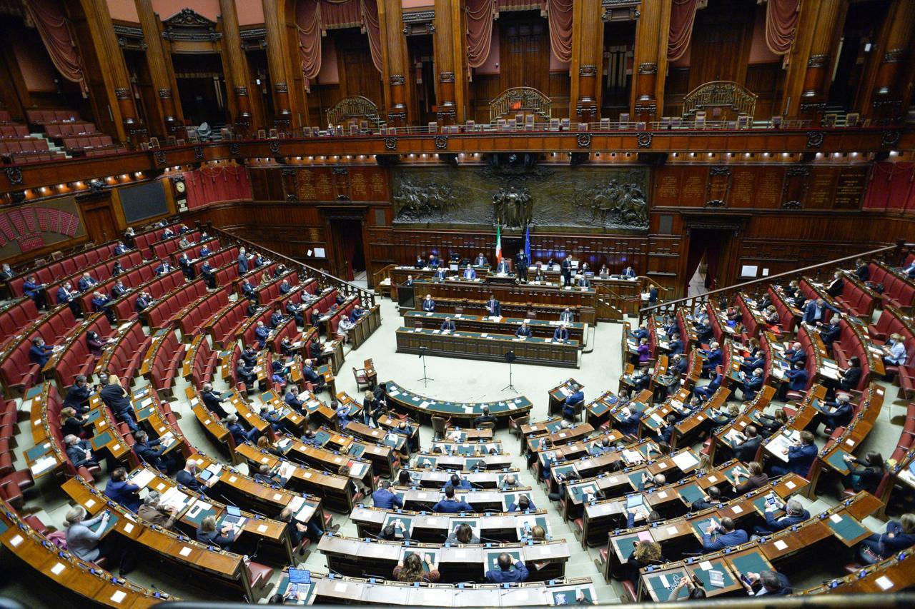Sì della Camera all'equo compenso: la Pa dovrà pagare gli avvocati in base ai parametri