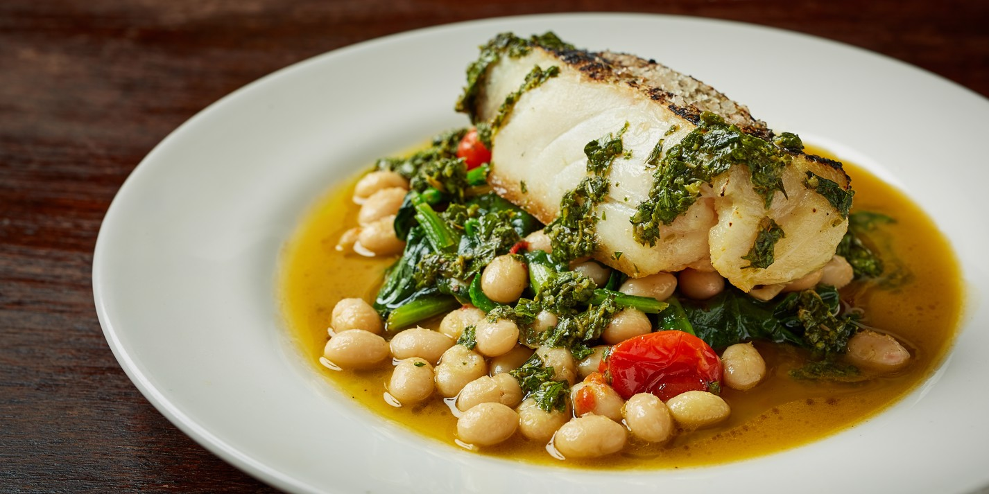 Hake with coco beans, spinach and green sauce